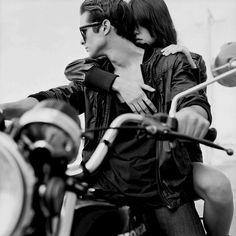 Αποτέλεσμα εικόνας για A couple on a bike.