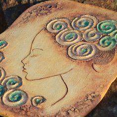 Souznění keramický kachlový obraz je možné jej pověsit , nebo přilepit jako klasický kachel . 39 x 32 cm