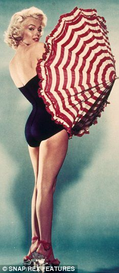 No one does a onepiece better than curvy girl Marilyn. An icon, too bad she couldn't ever be satisfied with her life. Sad