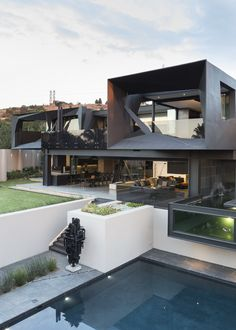 Kloof Road House | Exterior | Nico Van Der Meulen Architects #Design # Architecture #