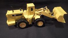 Die Cast Articulated ERTL Caterpillar 988B Wheel Loader, 1:50 #ERTL #Caterpillar