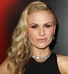 Wet Look Hairstyles for Women: Anna Paquin  #wethair #hairstyles
