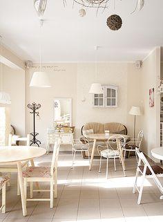 OX round table. Size: 100/100/76. Colour: Pure. - www.miloni.pl/en MILONI: wooden table, oak table, natural wood table, table design, furniture design, modern table