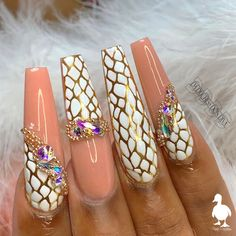 Gem Nail Designs, Pretty Nail Designs, Winter Nail Designs, Pedicures, Manicure E Pedicure, Cute Toe Nails, Pretty Nails, Gem Nails, Hair And Nails