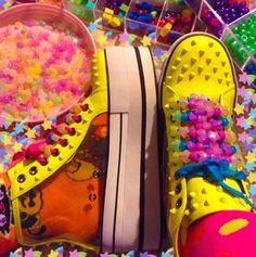 Scene Kids, Emo Scene, Shizuka Joestar, Bobbies Shoes, Tumbrl Girls, Different Aesthetics, Vsco, Rainbow Aesthetic, Indie Kids