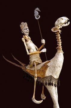 Sabrina Gruss - Galerie Béatrice Soulié Mixed Media Sculpture, Sculpture Art, Sculpture Ideas, Modern Sculpture, Broken Doll, Valley Of The Dolls, Shadow Puppets, Weird Creatures, Creepy Dolls