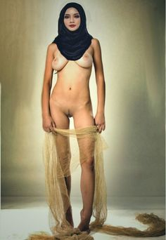 Nude beauty arab