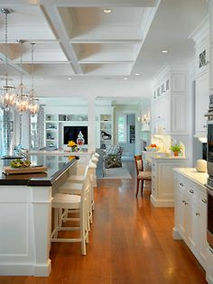 Living room design White kitchen interior by 1100 Architect at this Palm Beach house in Florida. white kitchen Living r. Kitchen Desks, New Kitchen, Kitchen Interior, Kitchen Layout, Kitchen Living, Shaker Kitchen, Kitchen White, Kitchen Island, Awesome Kitchen