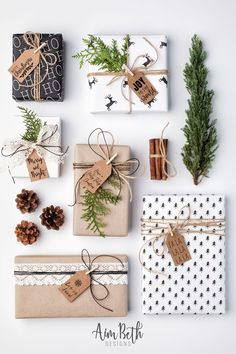 With a little bit of creativity, and craftiness you can create Christmas presents that look professional with these Christmas present ribbon wrapping ideas. Christmas Present Ribbon, Christmas Gift Wrapping, Christmas Tag, Diy Christmas Gifts, Holiday Gifts, Christmas Decorations, Christmas Presents For Him, Elegant Christmas, Gift Wrapping Ideas For Christmas Diy
