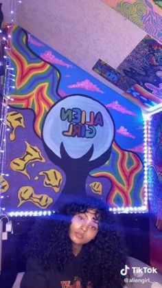 Hippie Painting, Trippy Painting, Small Canvas Art, Mini Canvas Art, Arte Hippy, Psychadelic Art, Trippy Drawings, Alien Girl, Applis Photo