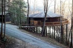 This tree house is in the heart of the Daniel Boone National Forest of Kentucky and offers endless sights to see and places to visit. Its prime location, on the waters of Lake Cumberland, allows for maximum beauty and exploration and discovery of the general area. It only minutes away from Cumberland Falls State Park by car, and is also close to the Big South Fork Scenic Railway, Cumberland Star River Boat, Burnside Marina, and Sheltowee Trace Outfitters. The property is right at the…