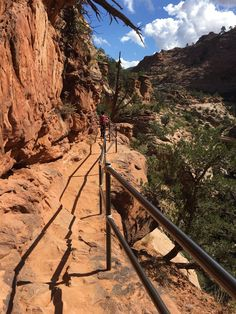 The Canyon Overlook Trail at Zion National Park a short, easy hike that's perfect for families, and the view is simply stunning. Utah Vacation, Vacation Places, Vacation Spots, Places To Travel, Places To See, Travel Destinations, Greece Vacation, Dream Vacations, Monte Carlo
