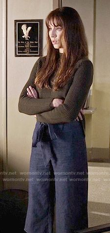 Spencer's green ribbed sweater and culottes on Pretty Little Liars.  Outfit Details: https://wornontv.net/58762/ #PLL