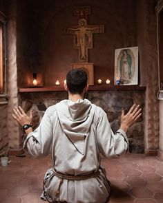 Catholic Priest, Roman Catholic, Freedom Is A State Of Mind, Dominican Order, Heart Of Jesus, Praying To God, San Francisco, St Francis, Faith In God