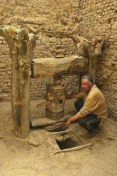 extraction of olive oil , El Qasr, NuevoValle, Egipto/ por unicorn 81