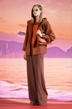 See the complete Gucci Resort 2014 collection.