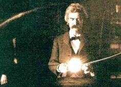 Mark Twain inside the laboratory of Nikola Tesla (1894)