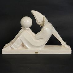Sculpture Art Deco en faïence craquelée Pierrot, Bouraine – cracked ceramic