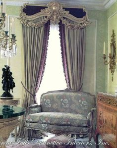 Fabulous inspiration images and sources for Ornamented Classical Window Treatments Victorian Curtains, Victorian Decor, Classic Curtains, Drapery Designs, Beautiful Curtains, Home Curtains, Custom Window Treatments, Window Styles, French Decor