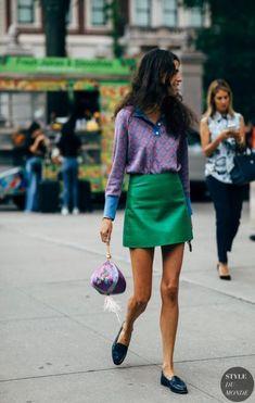 Leandra medine by styledumonde street style fashion fotograferingstips, modefotografering Leandra Medine, Look Fashion, Autumn Fashion, Fashion Outfits, Fashion Trends, Street Style Fashion, Fashion Ideas, Street Style 2018, Green Fashion