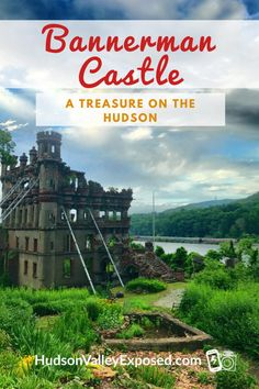 Have you ever ridden on the Metro-North Hudson Line heading up to Poughkeepsie, NY? Did you notice a beautiful castle sitting on the Hudson River? Take tours of Bannerman Castle in the Spring, Summer and Fall. This is the best of New York State! Day Trip To Nyc, Day Trips, Map Of New York, New York Travel, Hudson River, Hudson Valley, Poughkeepsie New York, Iphone Photography Apps, Places To Volunteer