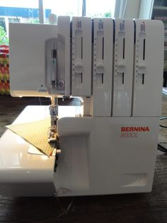 Overlock - tips en trucs Bernina 800dl, Overlock Machine, Sewing Projects For Beginners, Sewing Hacks, Sewing Tips, Sewing Techniques, Fabric Crafts, Machine Embroidery, Blog