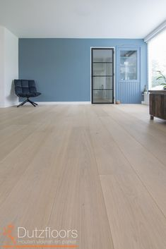home decoration design Types Of Hardwood Floors, Refinishing Hardwood Floors, Wooden Flooring, Room Wall Colors, Floor Colors, Bedroom Flooring, Open Plan Living, Home Staging, Living Room Designs