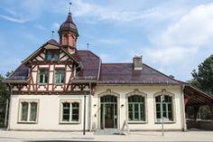 http://thumbs.dreamstime.com/t/medieval-half-timber-house-historical-information-center-bergpark-kassel-wilhelmshoehe-germany-44213947.jpgからの画像