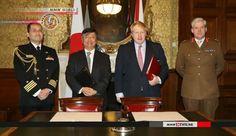 Japão e Reino Unido assinam acordo de apoio mútuo em logística. Os governos do Japão e da Grã-Bretanha assinaram um acordo que permite o fornecimento mútuo