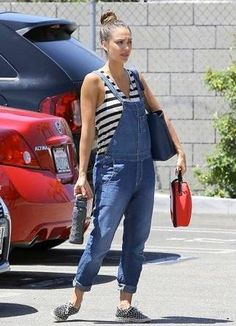 Spotted: Jessica Alba and our Zoo Ladybug Lunchie!