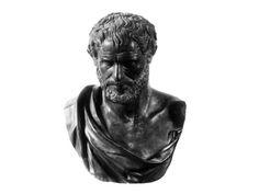Κάποτε κλήθηκε ο Ιπποκράτης στα Άβδηρα να εξετάσει για τρέλα τον Δημόκριτο, διότι υπήρχαν παράπονα για αυτόν ότι δεν φέρεται φυσιολογικά, και ότι γελάει με παράξενο τρόπο, κάθε φορά που αντίκριζε ανθρώπους. Ακολουθεί μέρος της «εξέτασης». Ιπποκράτης: Λέγε στο όνομα των Θεών, μήπως λοιπόν όλος ο κόσμος νοσεί χωρίς να το αντιλαμβάνεται και δε μπορεί …