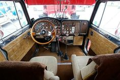 Not over the top. Leather seats would be a nice touch. Custom Peterbilt, Peterbilt 359, Peterbilt Trucks, Custom Big Rigs, Custom Trucks, Show Trucks, Big Trucks, Maximum Overdrive, Interior Wallpaper