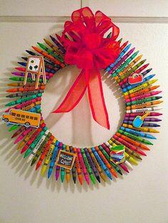 CRAYON Wreath//Teacher Wreath//Gift For Teachers//Decoration For Children's Room // Door/Wall Wreath