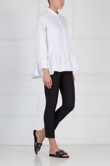Хлопковая блузка Mixer. Лаконичная и вместе с тем женственная блузка из коллекции бренда Mixer. Модель выполнена из натурального хлопка белого цвета. Украшена баской. Носим с шортами, джинсами или с брюками.