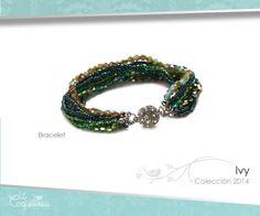 Una brillante esfera de Cristales Austríacos esconden el cierre magnético de este brazalete. Ristas de piedras de cristal en tonos esmeralda, verde azulado, verde y turquesa combinadas con cuentas de semillas en tono verde y aurora boreal. Mide 19 cm. www.lacoqueteria.co #bracelet #brazalete #accesories #beautiful #lacoqueteria #fashion  #shoppingonline #tiendaenlinea #mexico #accesorios #moda #monterrey #merida #vestidos #joyeria #bisuteria #boda #tendencias