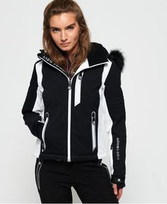 Shop Superdry Womens Sleek Piste Ski Jacket in Black. Buy now with free delivery from the Official Superdry Store. Superdry Fashion, Womens Snowboard Jacket, Superdry Jackets, Women's Jackets, Fleece Jackets, Black Ski Jacket, Snowboarding Outfit, Casual Shirts, Jackets For Women