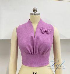 Choli Blouse Design, Blouse Designs, Simple Blouse Pattern, Traditional Dresses Designs, Myanmar Dress Design, Tandoori Masala, Kids Frocks Design, Sleeves Designs For Dresses, Modelista