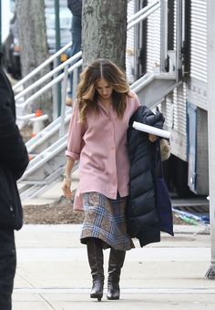 SARAH JESSICA PARKER on the Set of Divorce in New York 01/08/2016