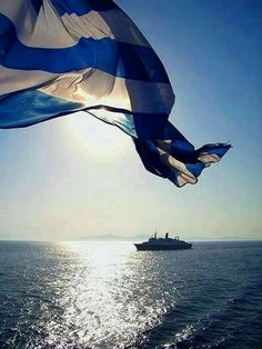 and Greek flag Φωτογραφία Greek Flag, Go Greek, Places To Travel, Places To Visit, Acropolis, Flags Of The World, Paros, Ancient Greece, Greek Islands