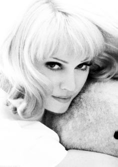 Madonna....Vanity Fair 1992 !