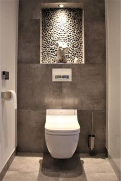 Mozaïek badkamertegels | Steenbergen Tegels Small Bathroom Interior, Bathroom Design Luxury, Bathroom Design Small, Modern Bathroom, Small Toilet Design, Small Toilet Room, Wc Design, Modern Toilet, Dressing Room Design