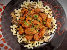 Boeuf Bourguignon la Multicooker Crock-Pot Express cu gatire sub presiune Kung Pao Chicken, Tandoori Chicken, Multicooker, Catering, Crockpot, Meat, Ethnic Recipes, Food, Catering Business