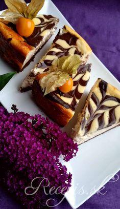 Tento Cheesecake je krásne nadýchaný a mäkký ako pena. Napriek tomu ale dobre drží tvar. Potrebujete: 250 g maslových sušienok2PL kakaa125g masla izbovej teploty500g jemného tvarohu500g jemného krémovitého syru (Lučina/Mascarpone)4 vajíčka1 vanilkový cukor100g kr. Cukru2 PL kakaa50ml silného espressa Postup: Maslové sušienky rozdrtiť na jemno (buď dať do sáčku a rozomlieť valčekom na cesto alebo rozsekať kuchynským robotom). Pridať maslo a kakao a vymiesiť rukamy do mierne lepkavé Espresso, Ale, Waffles, French Toast, Cheesecake, Breakfast, Food, Basket, Mascarpone