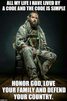 Special Forces soldier with full tactical kit complete with war beard and tomahawk Military Humor, Military Life, Military Force, Military Signs, Army Humor, Gun Humor, Military Shirt, Army Life, Military Photos