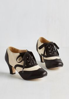 1920s Style Shoes - Dance It Up Heel in Black and Ivory