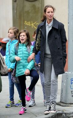 Christy Turlington - Christy Turlington Picks Up Her Daughter from School