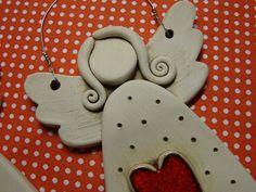 Čistá duša anjelská Polymer Clay Miniatures, Polymer Clay Crafts, Valentine Crafts, Christmas Crafts, Clay Angel, Pottery Angels, Ceramic Angels, Polymer Clay Christmas, Pottery Classes