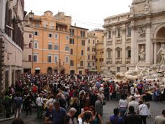 Crowds at the Trevi Fountain in Rome 2010