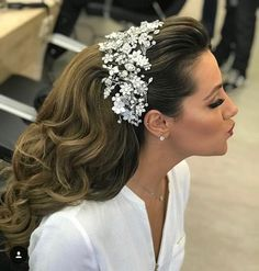 Rustic Modern Wedding Hairstyle with Silver Floral Headband for Long Hair 2019 Spring DIY Country Wedding Headpiece Ideas Bride Hairstyles, Pretty Hairstyles, Bridal Hair And Makeup, Hair Makeup, Natural Hair Styles, Long Hair Styles, Wedding Hair Pieces, Hair Vine, Wedding Hair Accessories