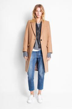 Zadig & Voltaire long coat with tailored collar, parma viscose lining, fabric 62% wool, 38% polyamide.